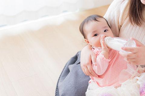 育児休業等取得者申出書 提出先 : 日本年金機構 業開始時賃金月額証明書、育児休業給付受給資格確認票 提出先 : 公共職業安定所 育児休業給付金支給申請書 提出先 : 公共職業安定所